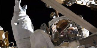 هر دو فضانورد ناسا قصد دارند تا اولین زن حاضر در کره ماه باشند
