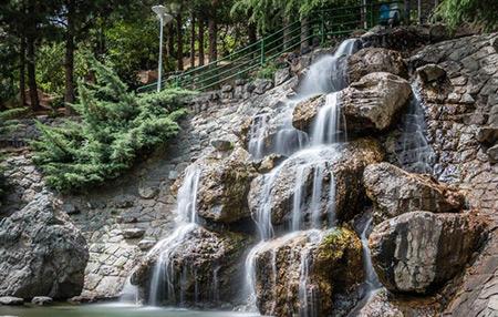 پارک جمشیدیه,آبشار سنگی پارک جمشیدیه, آب نما سنگی پارک جمشیدیه